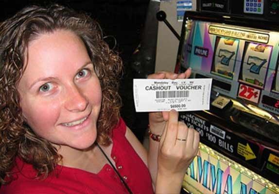 ในคืนที่ดีที่สุด! คุณเดนิสชนะเงินจำนวน 23,397 เหรียญสหรัฐ ในการหมุนสล็อต 20 รอบ