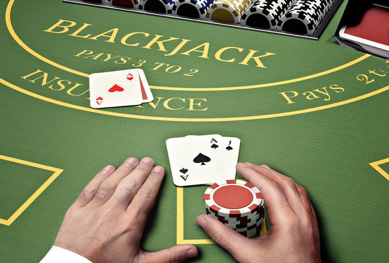 วิธีเพิ่มโอกาสชนะในเกม Blackjack - คาสิโนออนไลน์